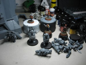 Cowboys, Ogryns, Inquisitor und Space Wolves